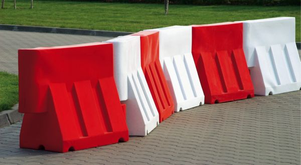 Fahrbahnbegrenzungen Rot - 1 Meter Element aus Polyethylen (VPE 5 Stück)